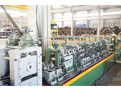 Dầu mỡ bôi trơn cho máy móc công nghiệp